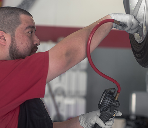 Tire Shop in Kankakee: Certified Tire Repair Services | Auto-Lab - content-tire-filling